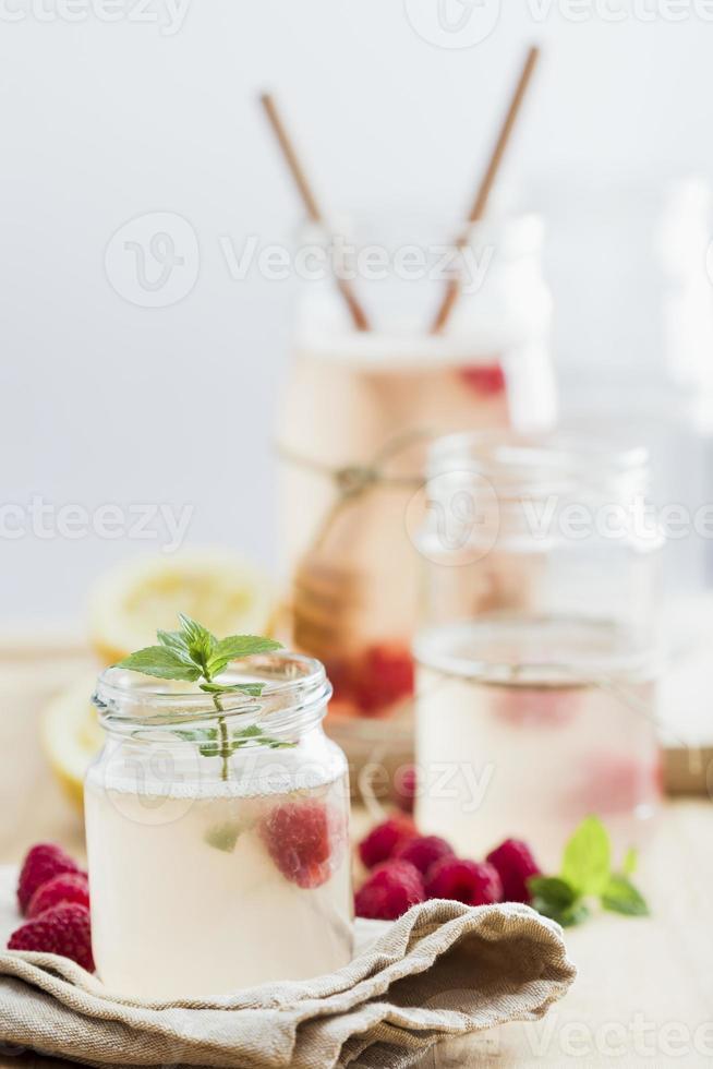 limonade met framboos foto