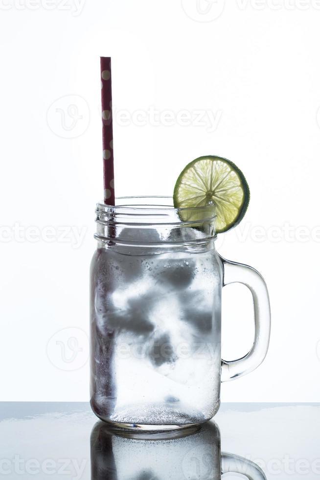 glas limonade en ijs foto