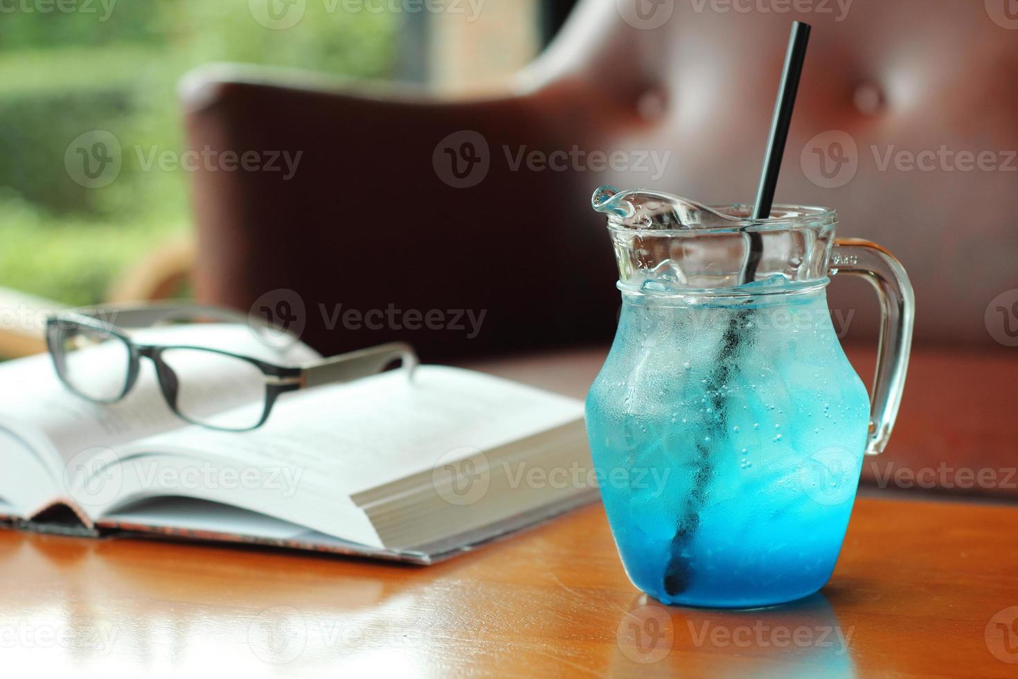 close-up koude blauwe cocktail foto