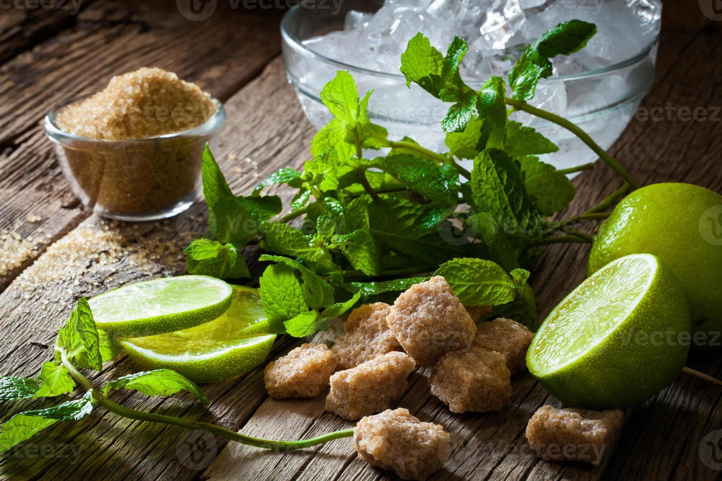 ingrediënten voor het maken van mojito's foto