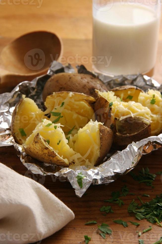 gebakken aardappelen. foto