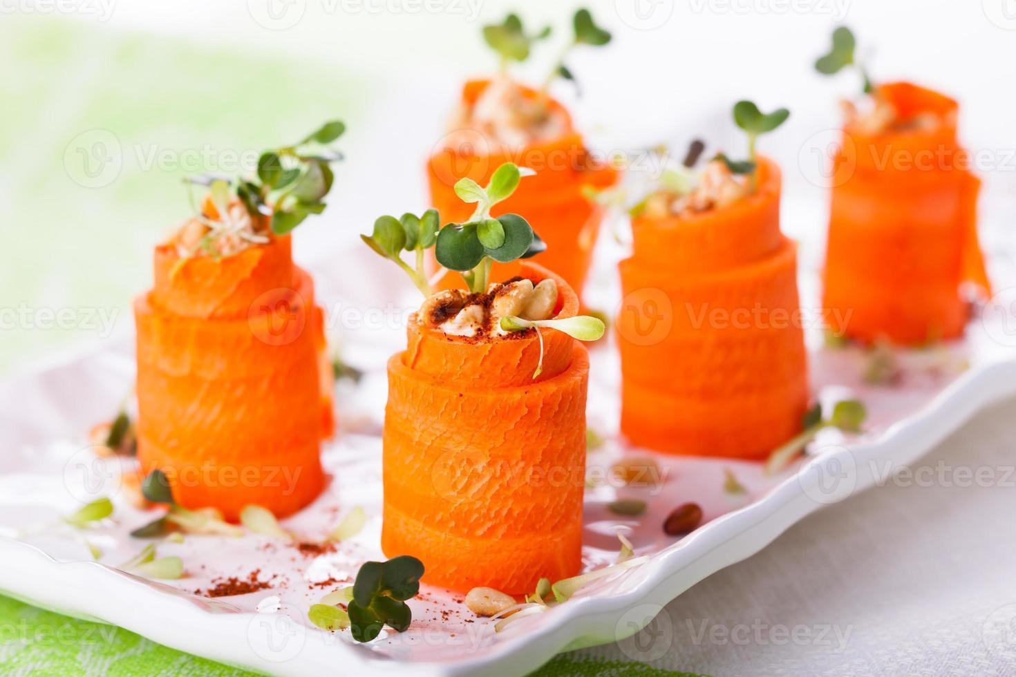 roll-ups van wortels foto
