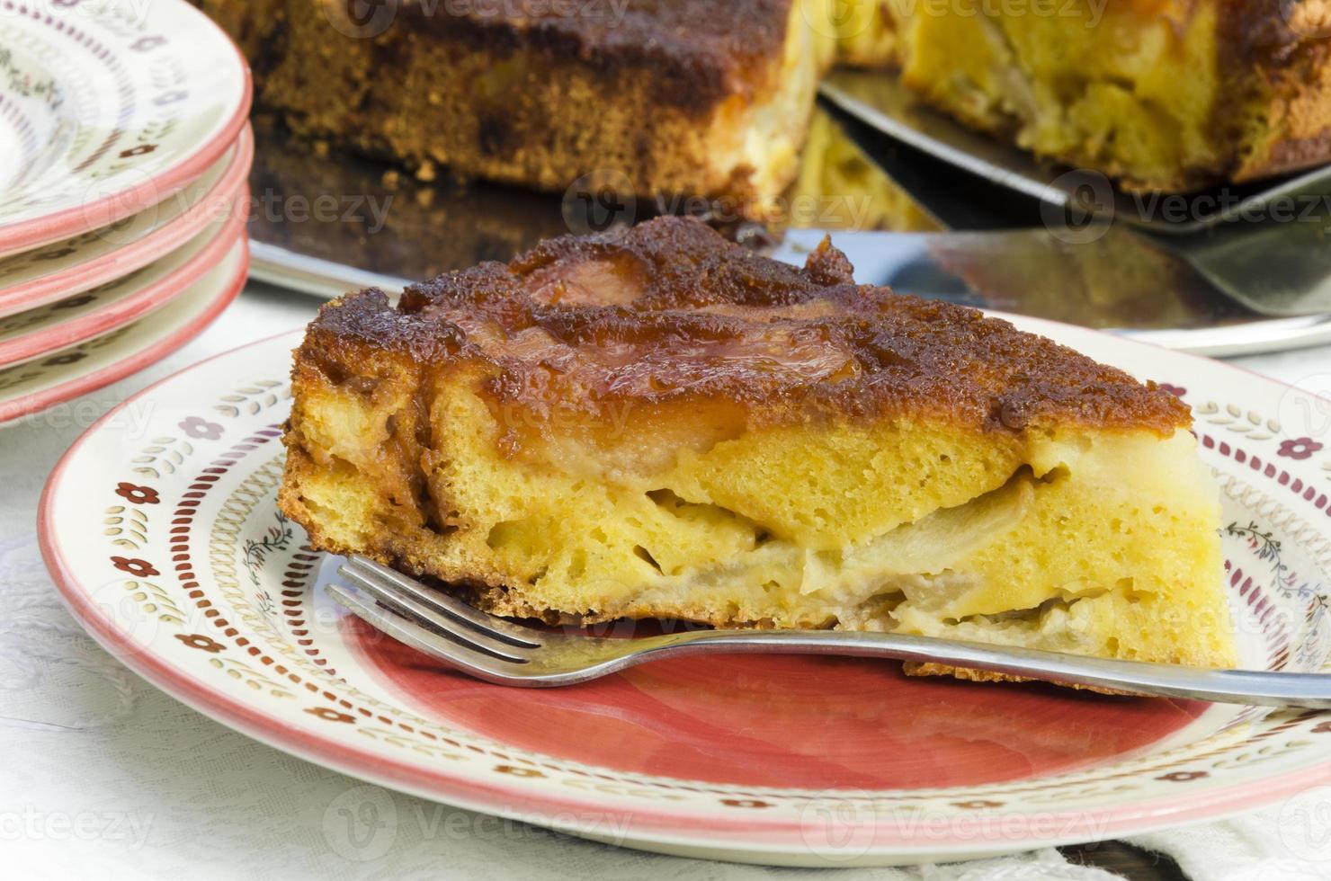 gekarameliseerde appeltaart (zie recept hieronder). foto