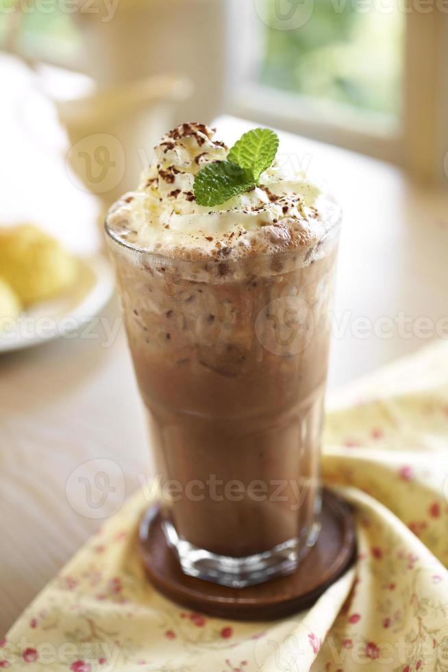 close up koude chocolade en koffie foto