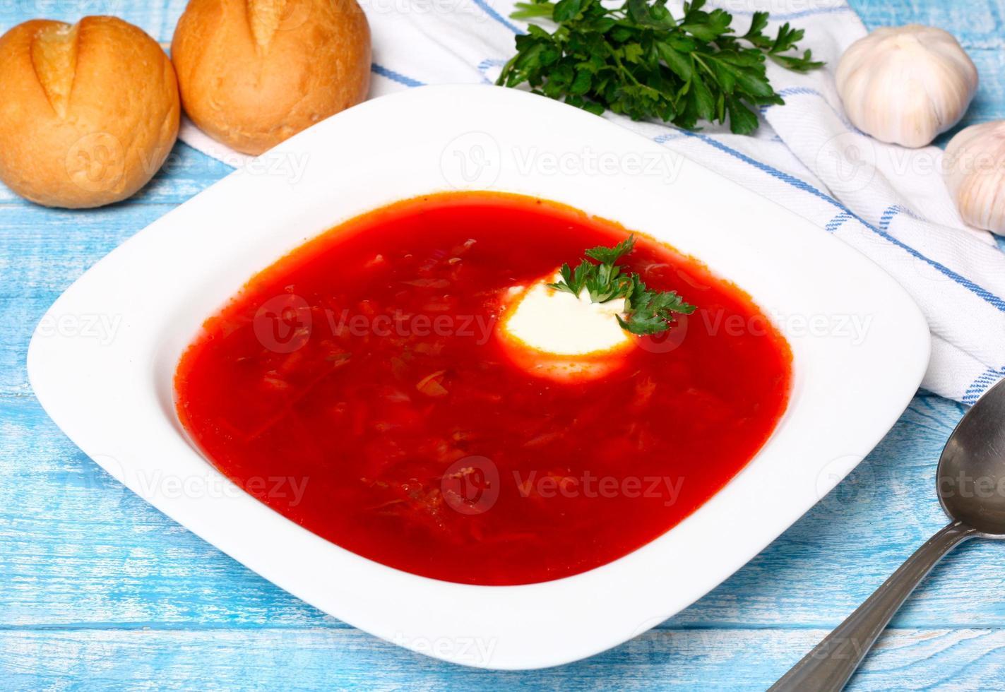 traditionele Russische en Oekraïense borschtsoep foto