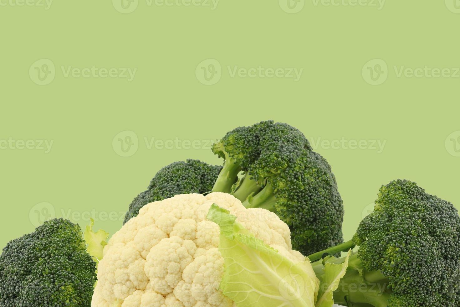 verse bloemkool en broccoli foto