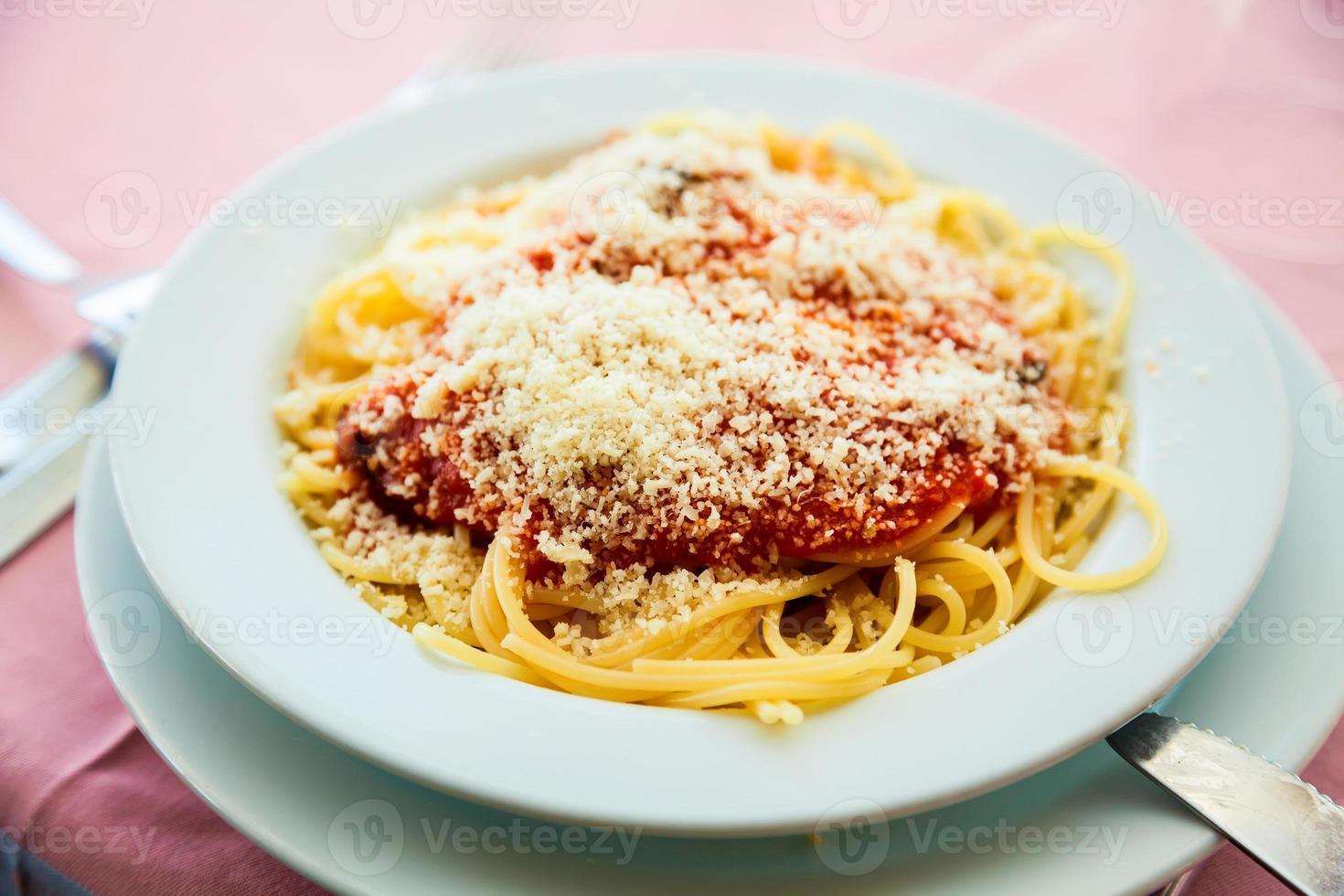 close-up spaghetti napolitana foto