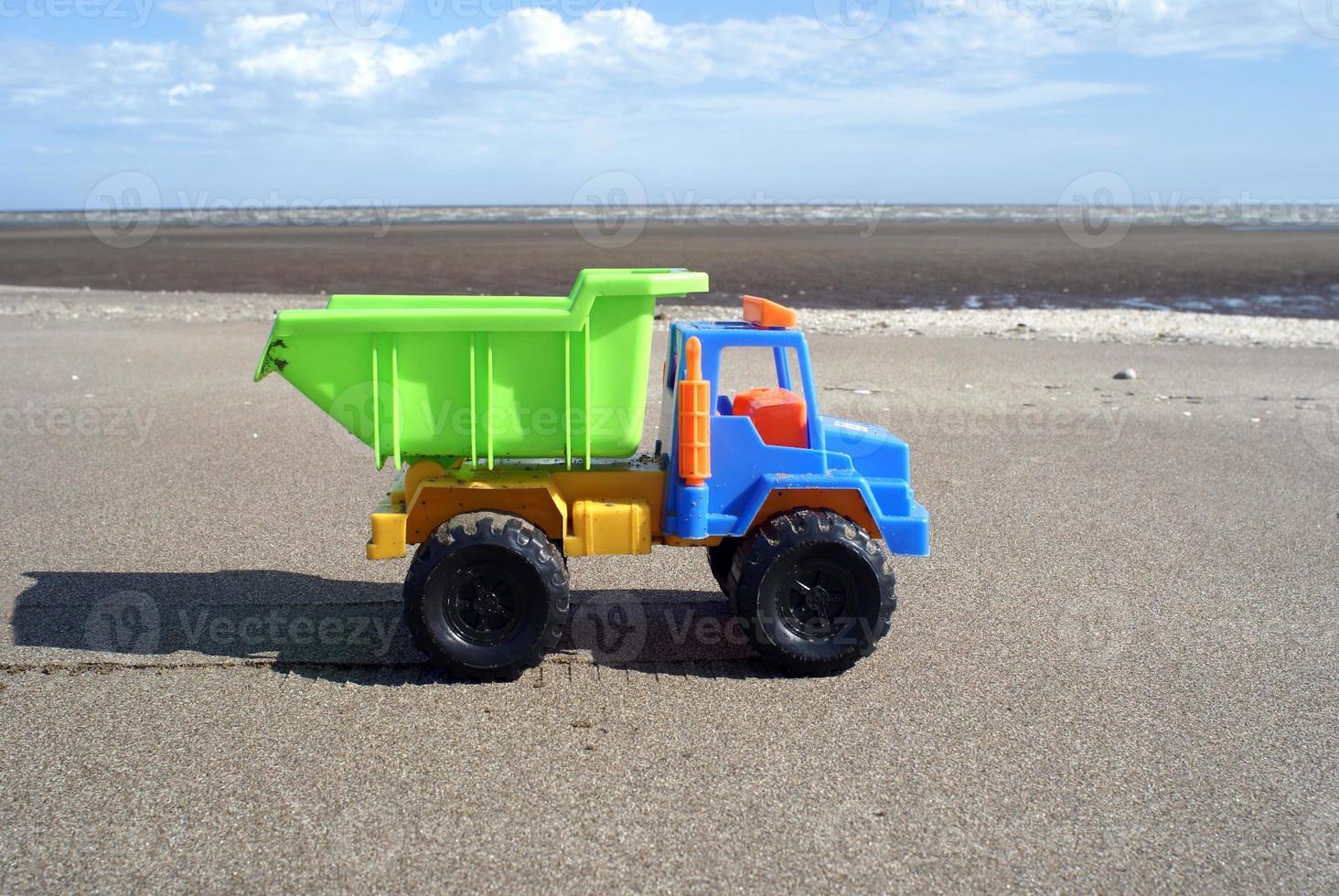 Speelgoed vrachtwagen foto