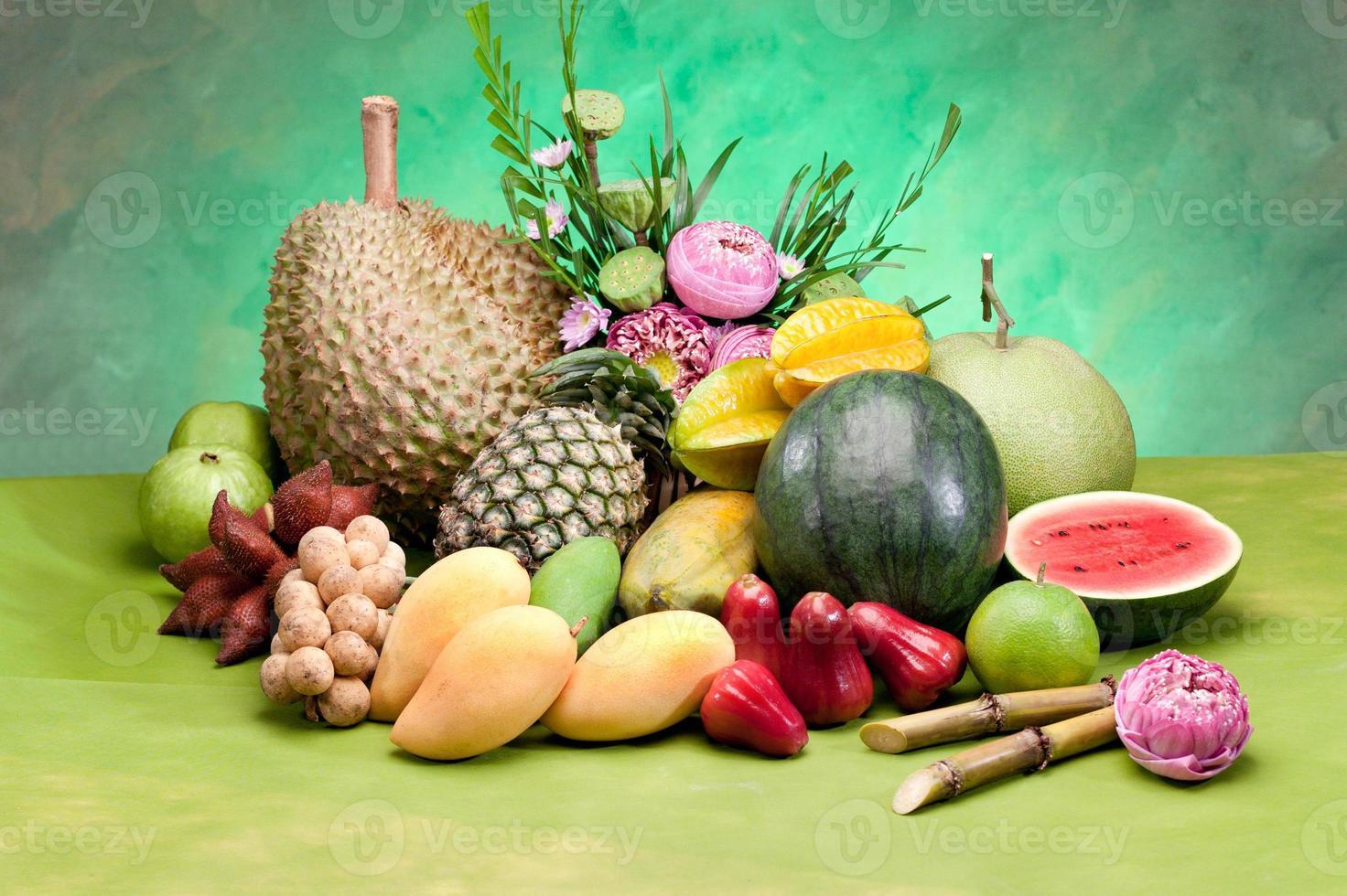 het hele seizoen tropisch fruit uit Thailand foto