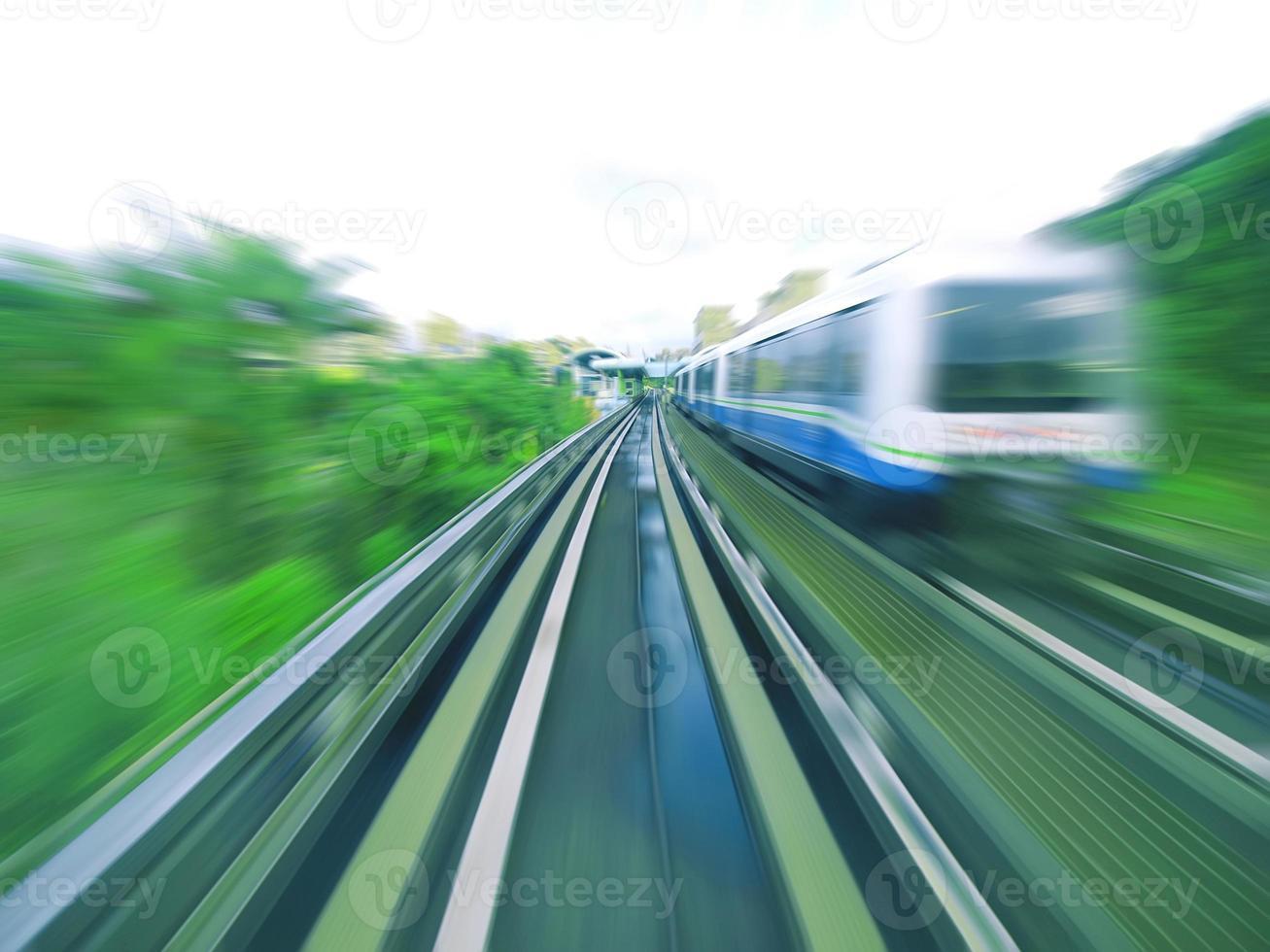 rijdende trein foto