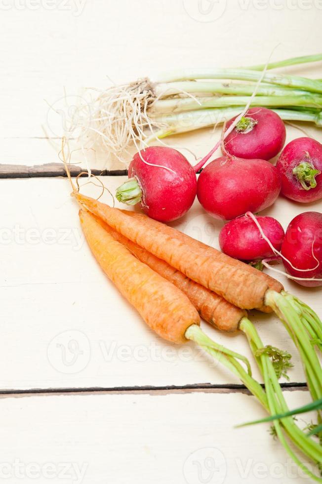rauwe wortelgroente foto