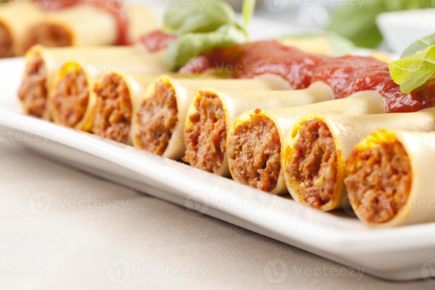 cannelloni op plaat foto