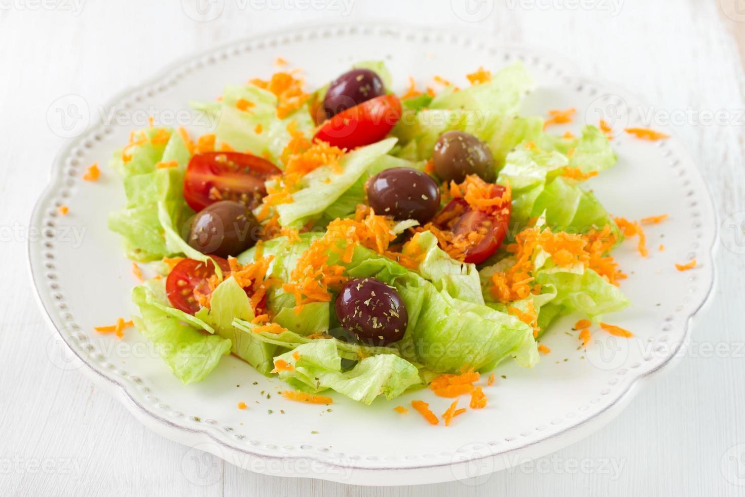 salade op de plaat foto