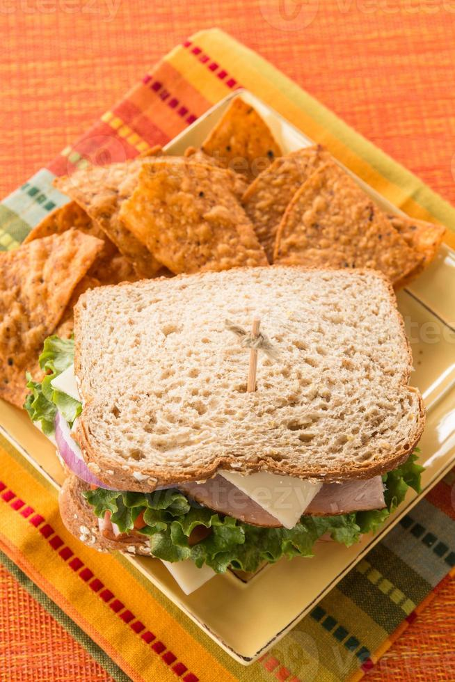 lunch gezonde sandwich ham kalkoen kaas foto