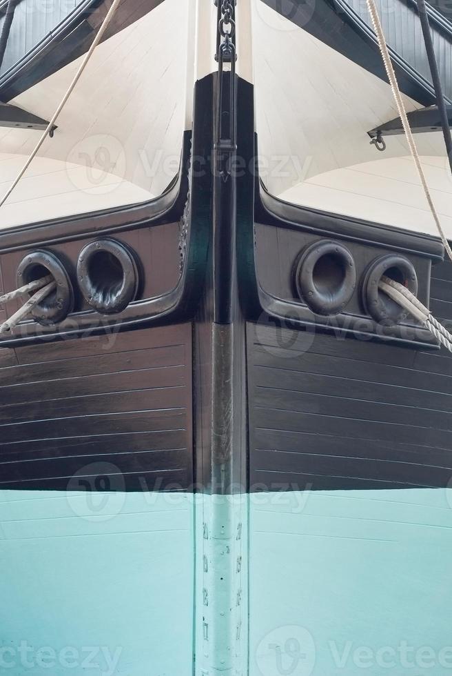 boeg van een zeilschip foto