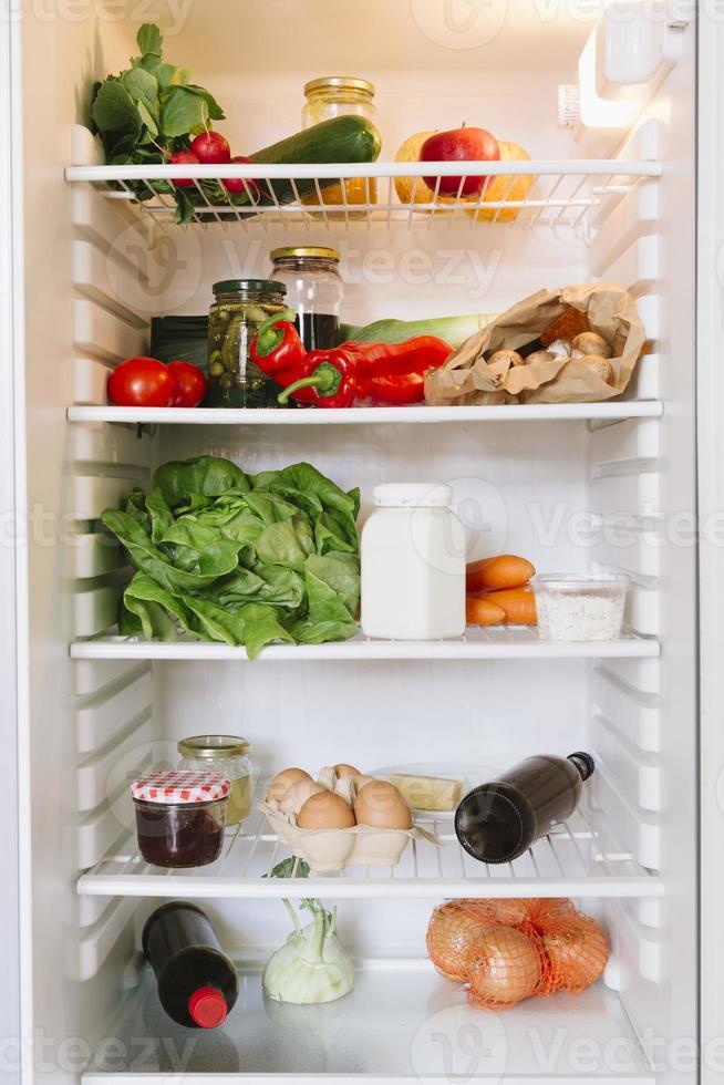 open vegetarische koelkast foto