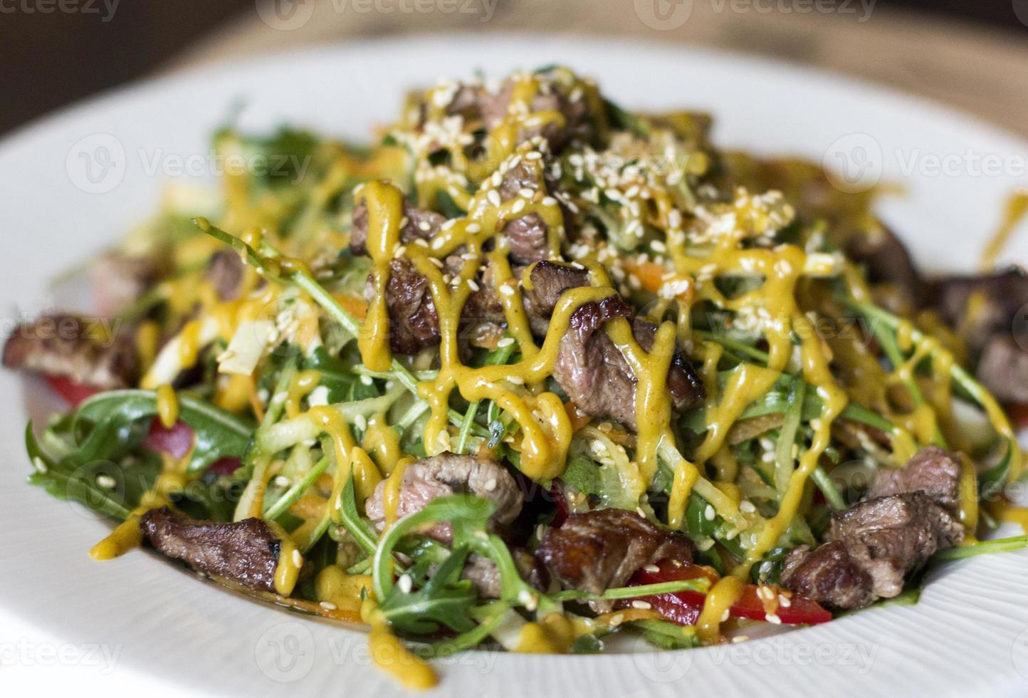 rundvlees salade. foto
