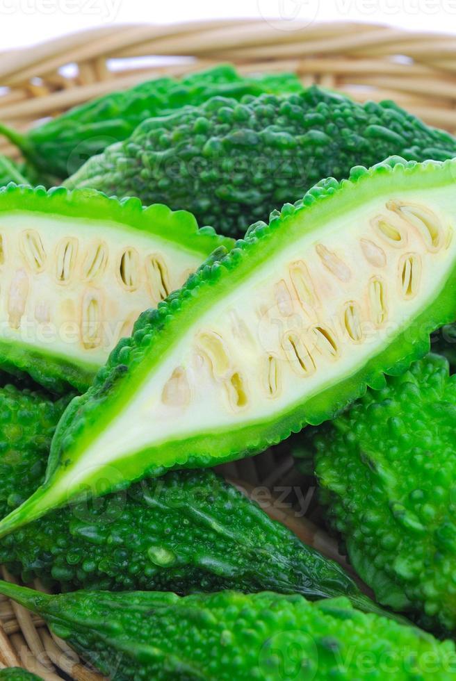 bittere komkommer, balsempeer, bittere pompoen (momordica charantia foto