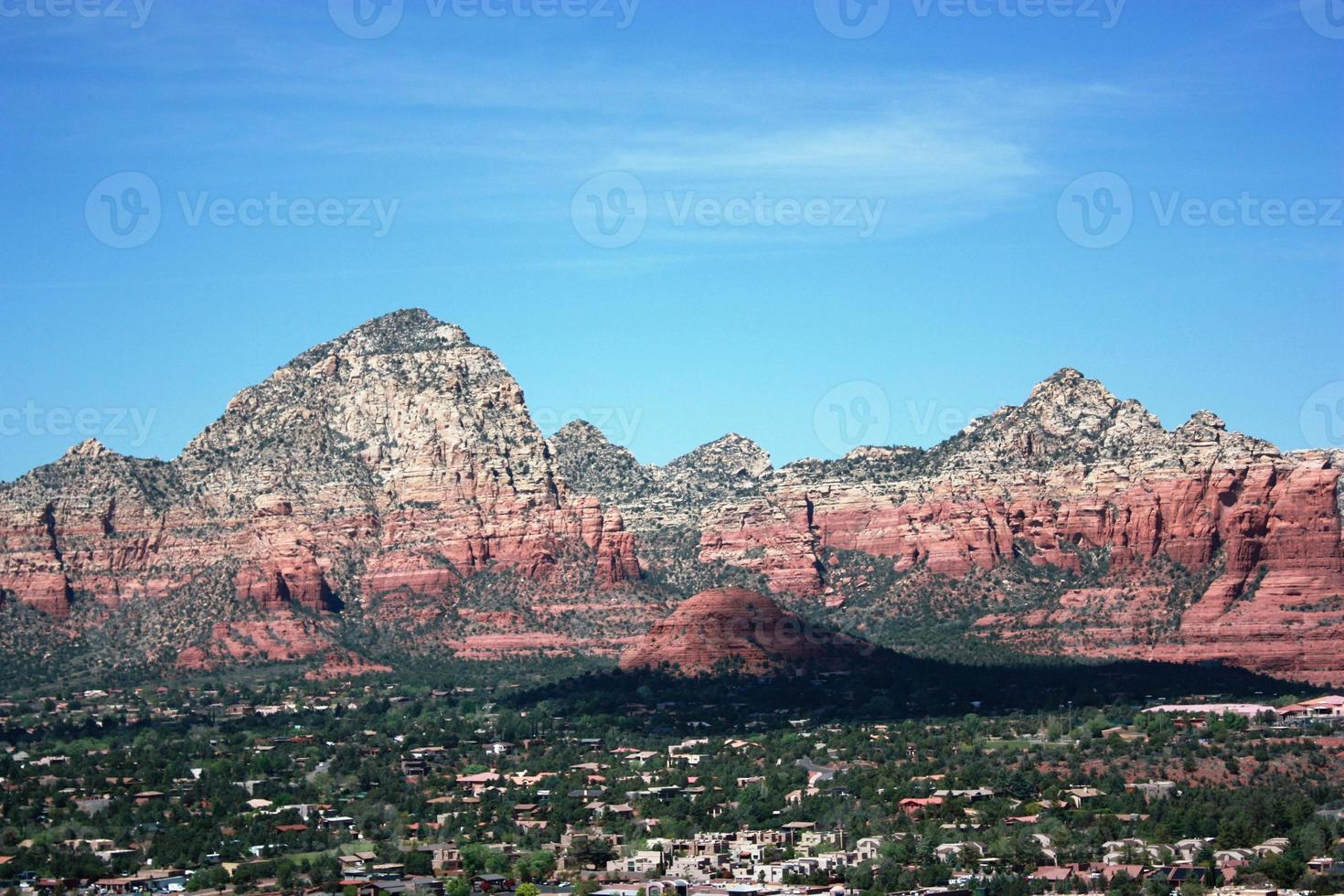 de vallei van sedona en bergen, arizona usa foto