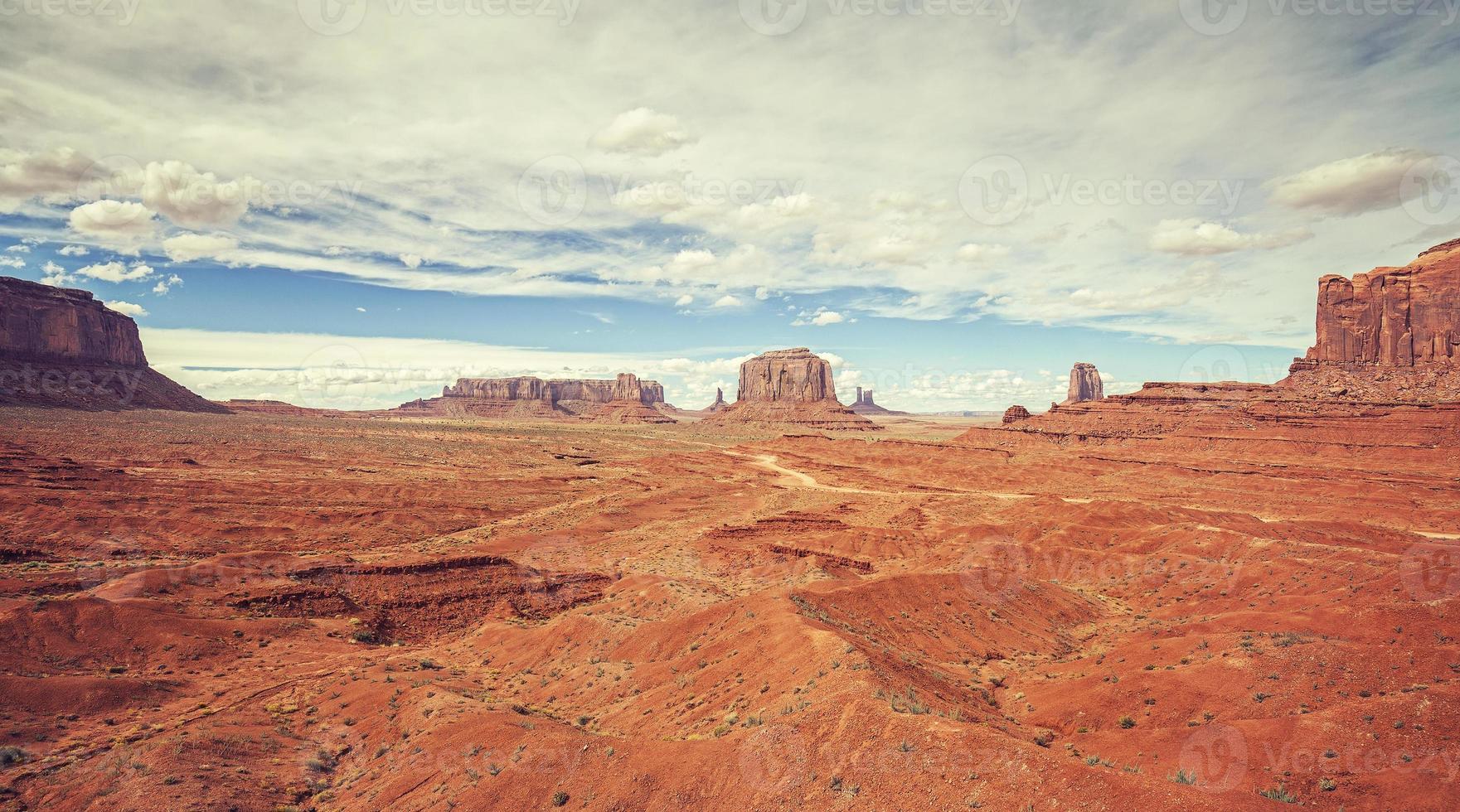 vintage oude filmstijlfoto van monument valley, de vs. foto