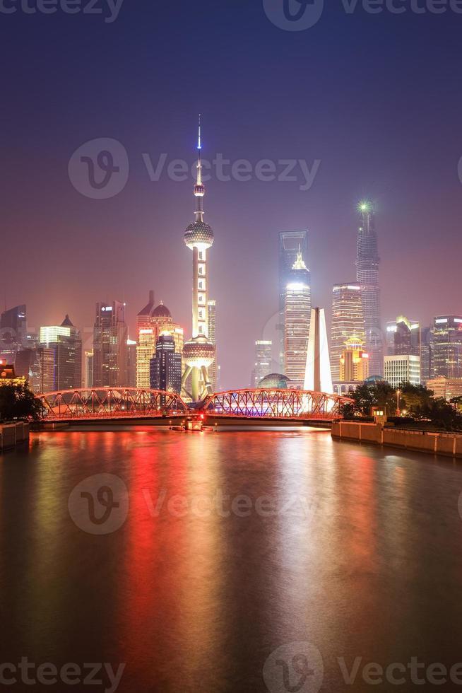 prachtige shanghai 's nachts foto