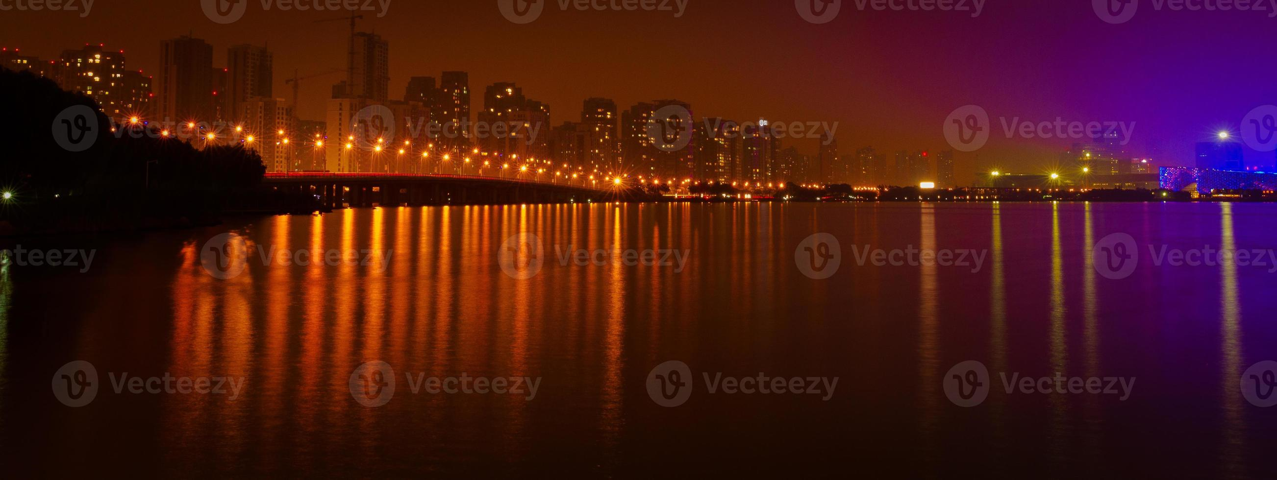 suzhou, china - brug en meer foto