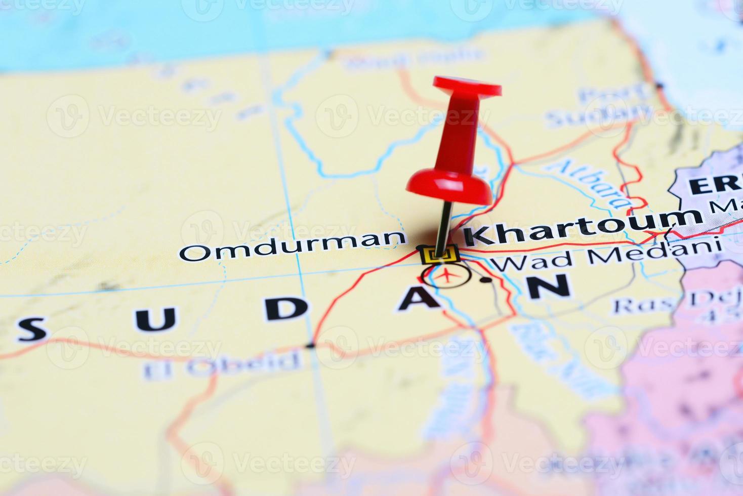 khartoum vastgemaakt op een kaart van Azië foto