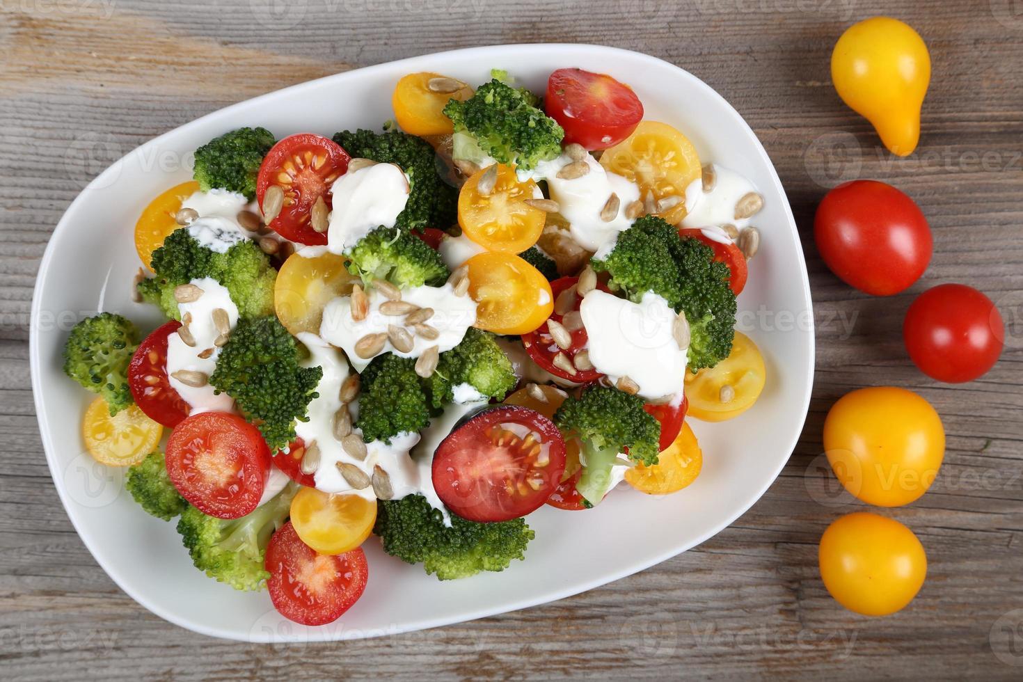 kleurrijke salade. foto