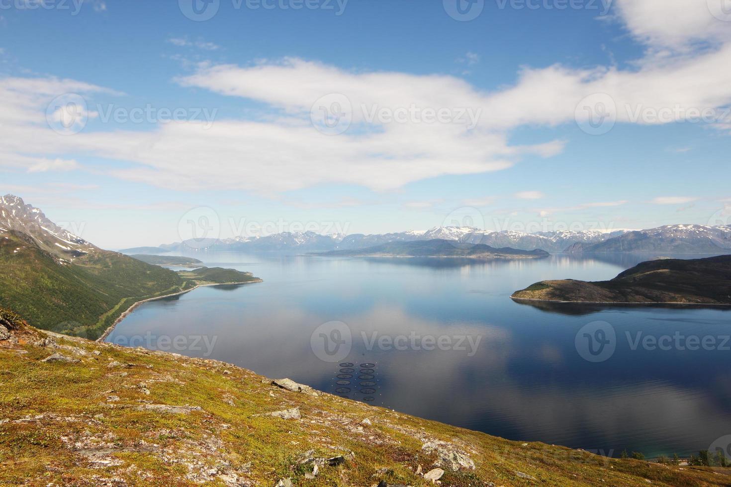 noordelijk landschap van noorwegen foto