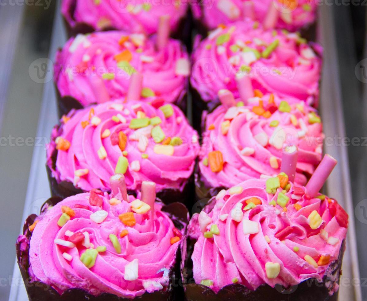 rijen cupcakes foto