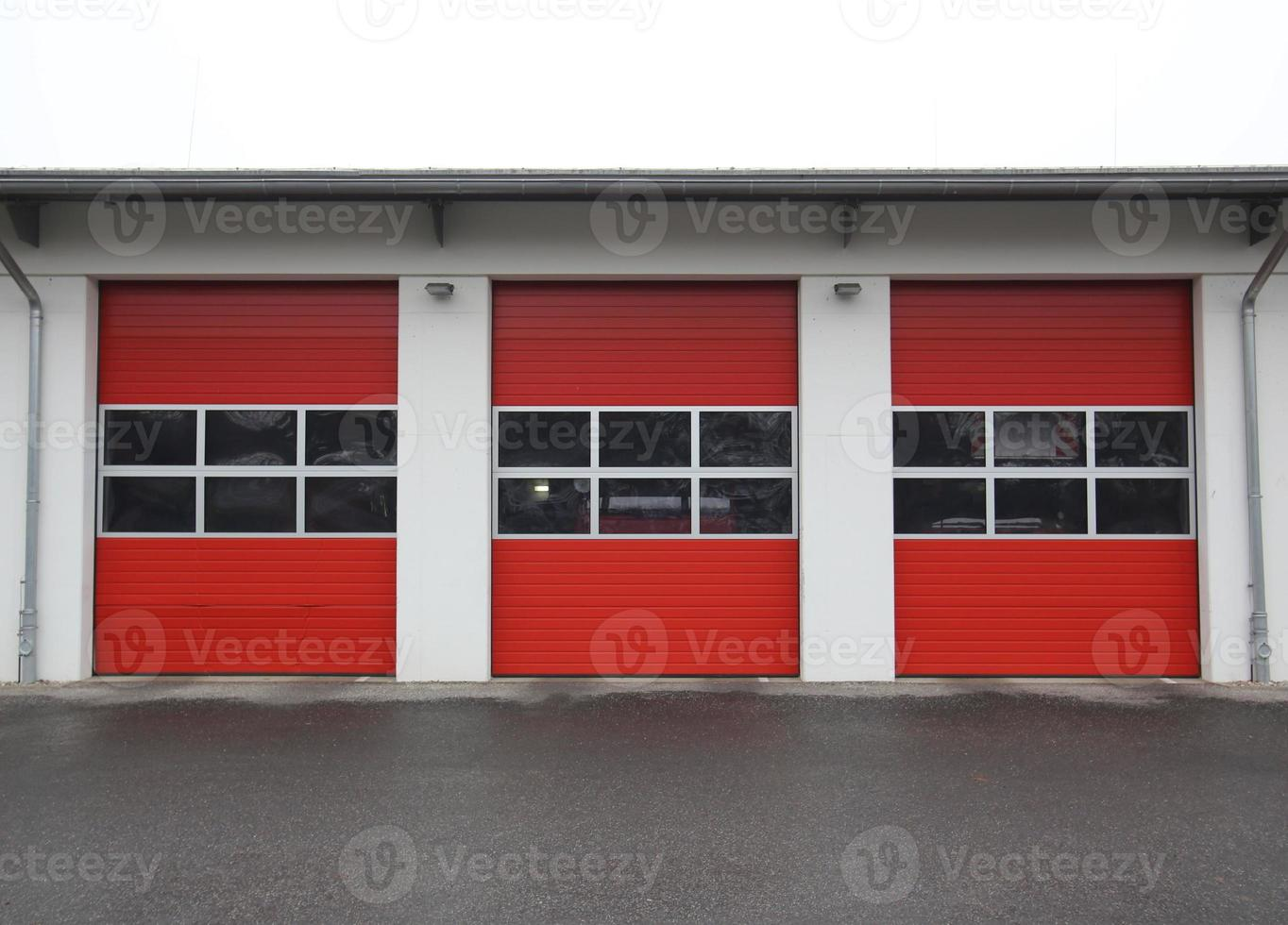 brandweerkazerne garage rij foto