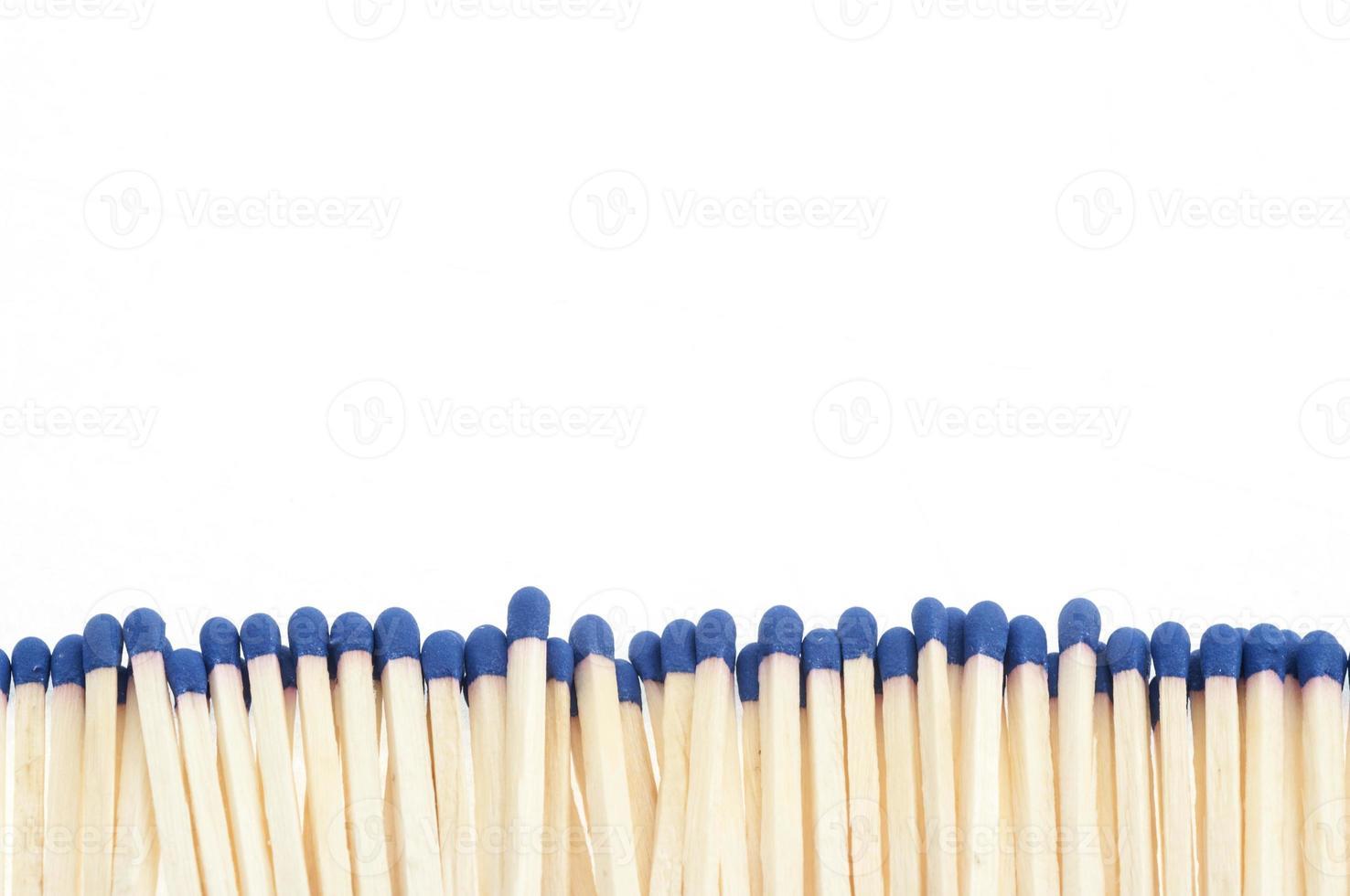 wedstrijden op een rij op een witte achtergrond foto