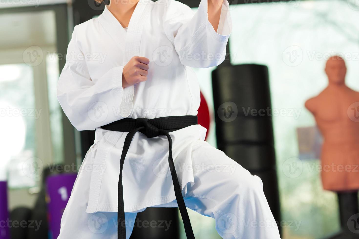 vechtsporten sporttraining in de sportschool foto