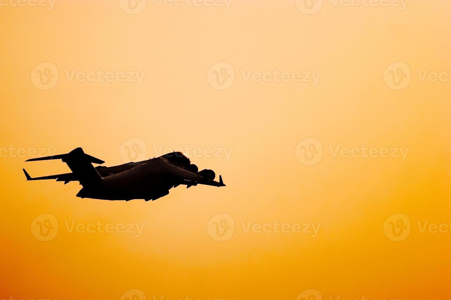 c-17 globmaster silhouet foto