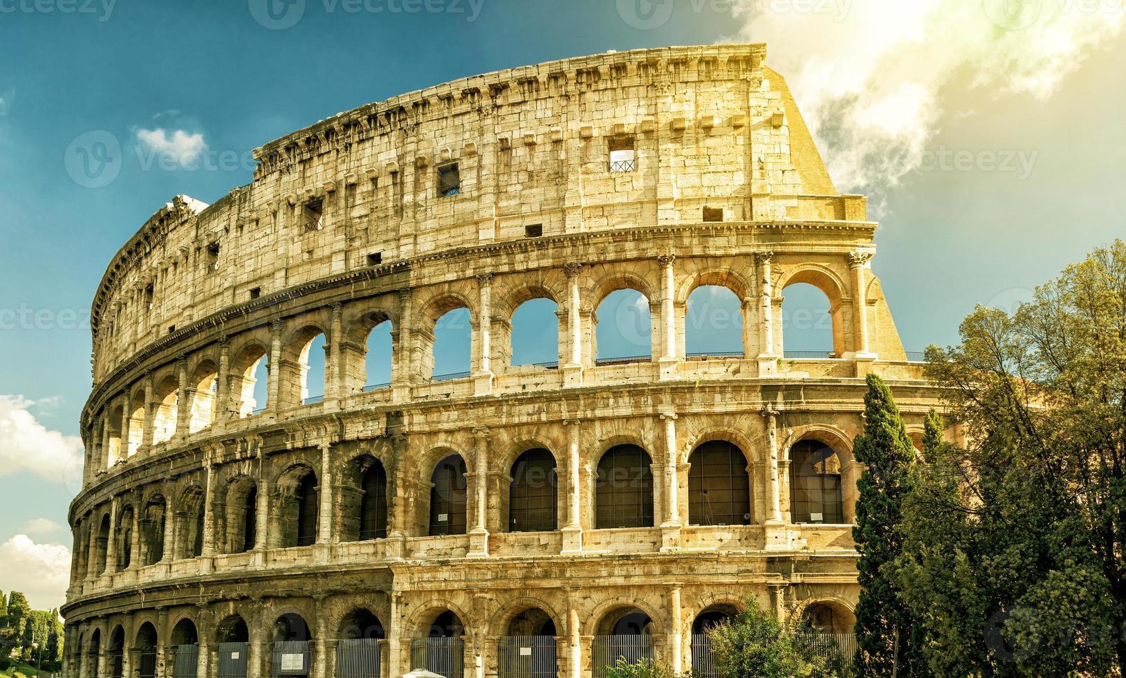 colosseum (coliseum) in rome foto