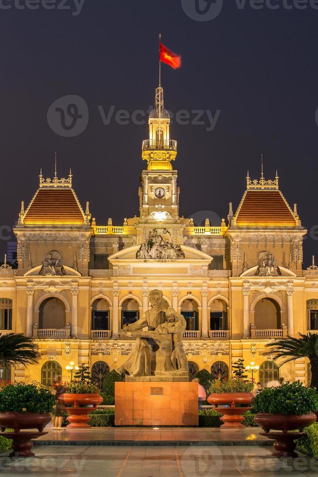het stadhuis in ho chi minh, vietnam foto