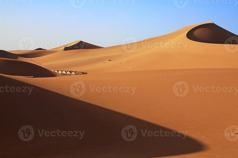 zandduinen van de Saharawoestijn foto