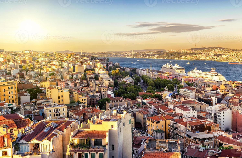 Istanbul bij zonsondergang, Turkije foto