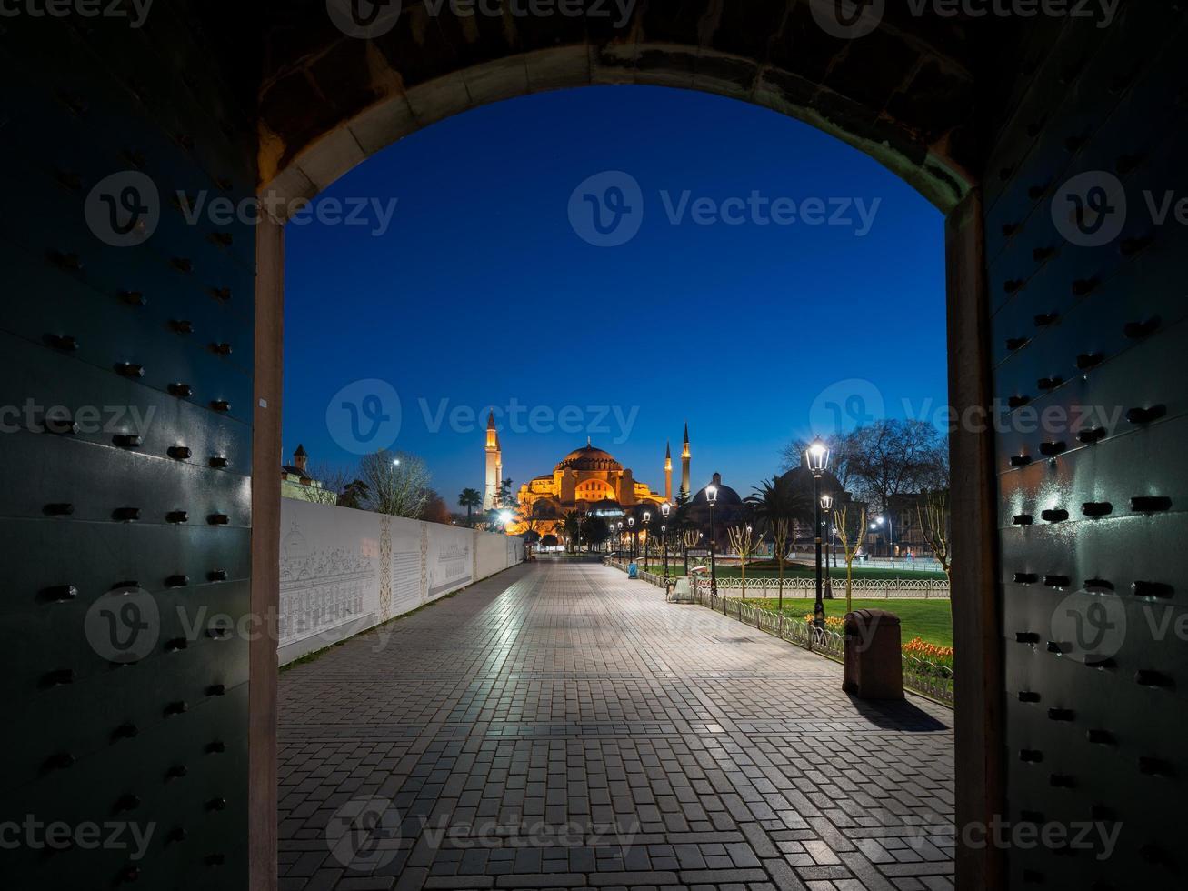 hagia sophia kathedraal 's nachts foto
