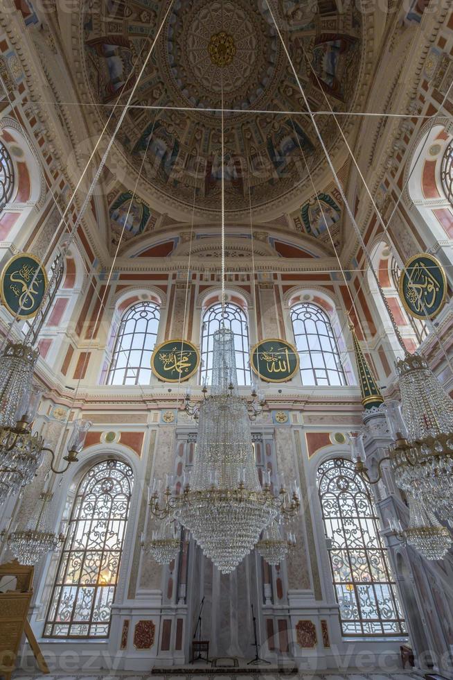 ortakoy moskee in istanbul, turkije foto