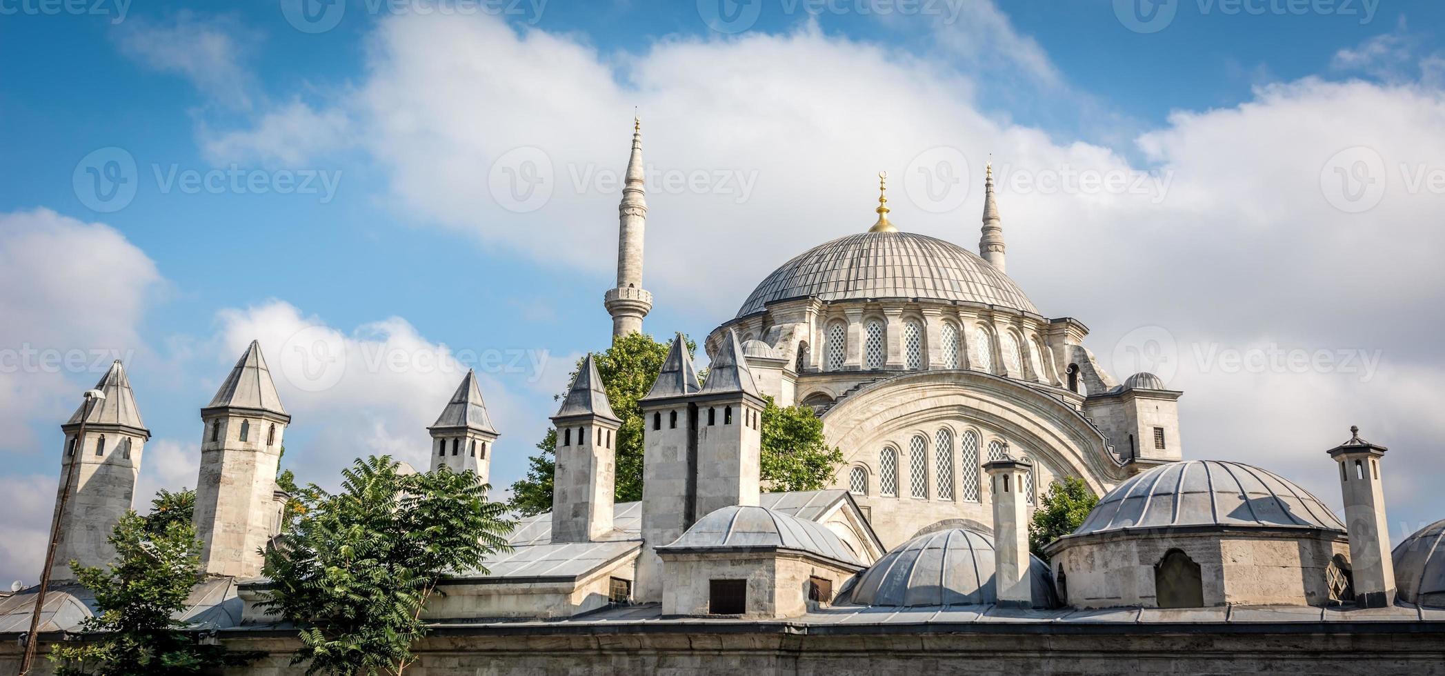 nuruosmaniye moskee in istanbul, turkije foto