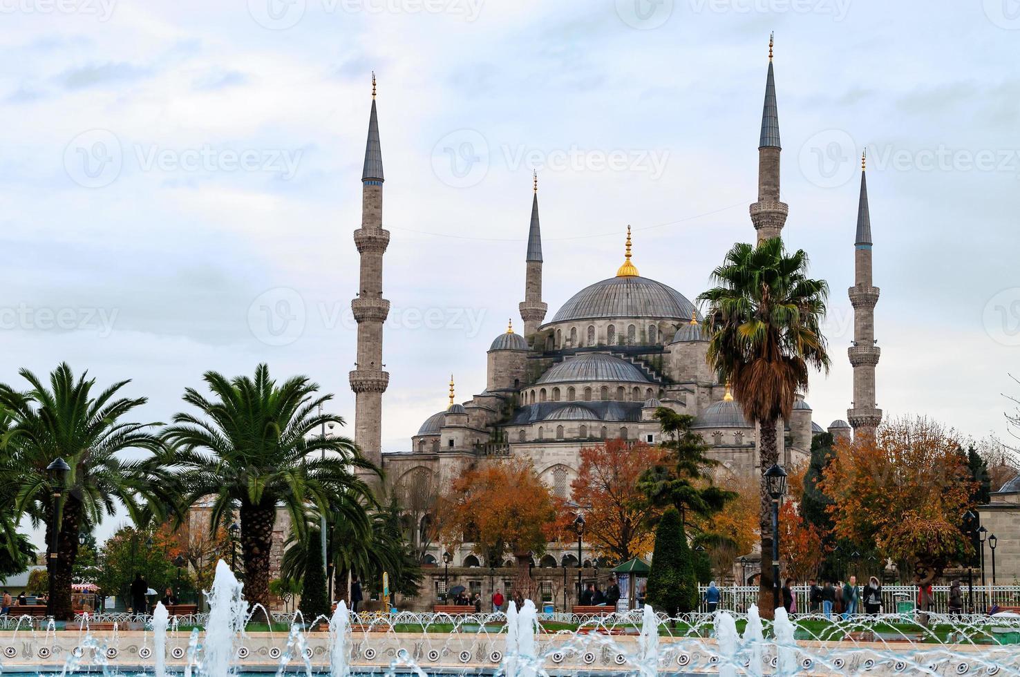 blauwe moskee in istanbul, sultanahmet-plein foto