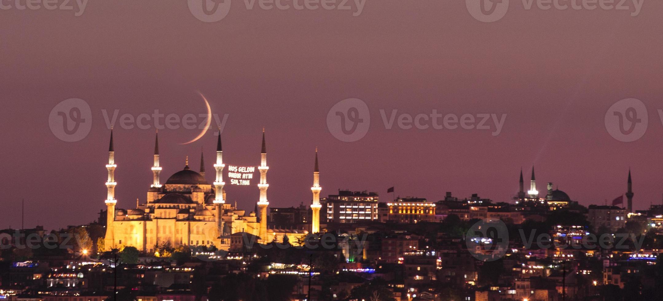 blauwe moskee in de ramadan foto