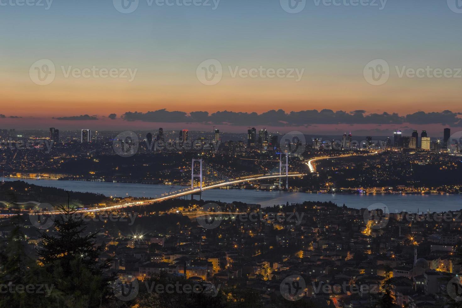 Bosporus-brug (Boğaziçi Köprüsü) foto