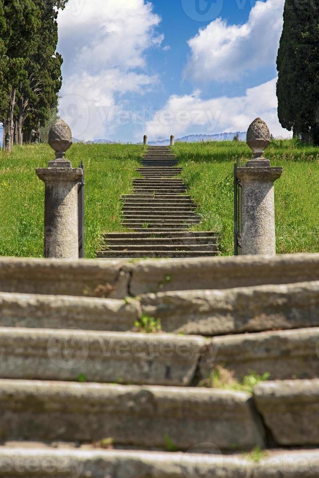 la scalinata sul lago di como, bellagio foto