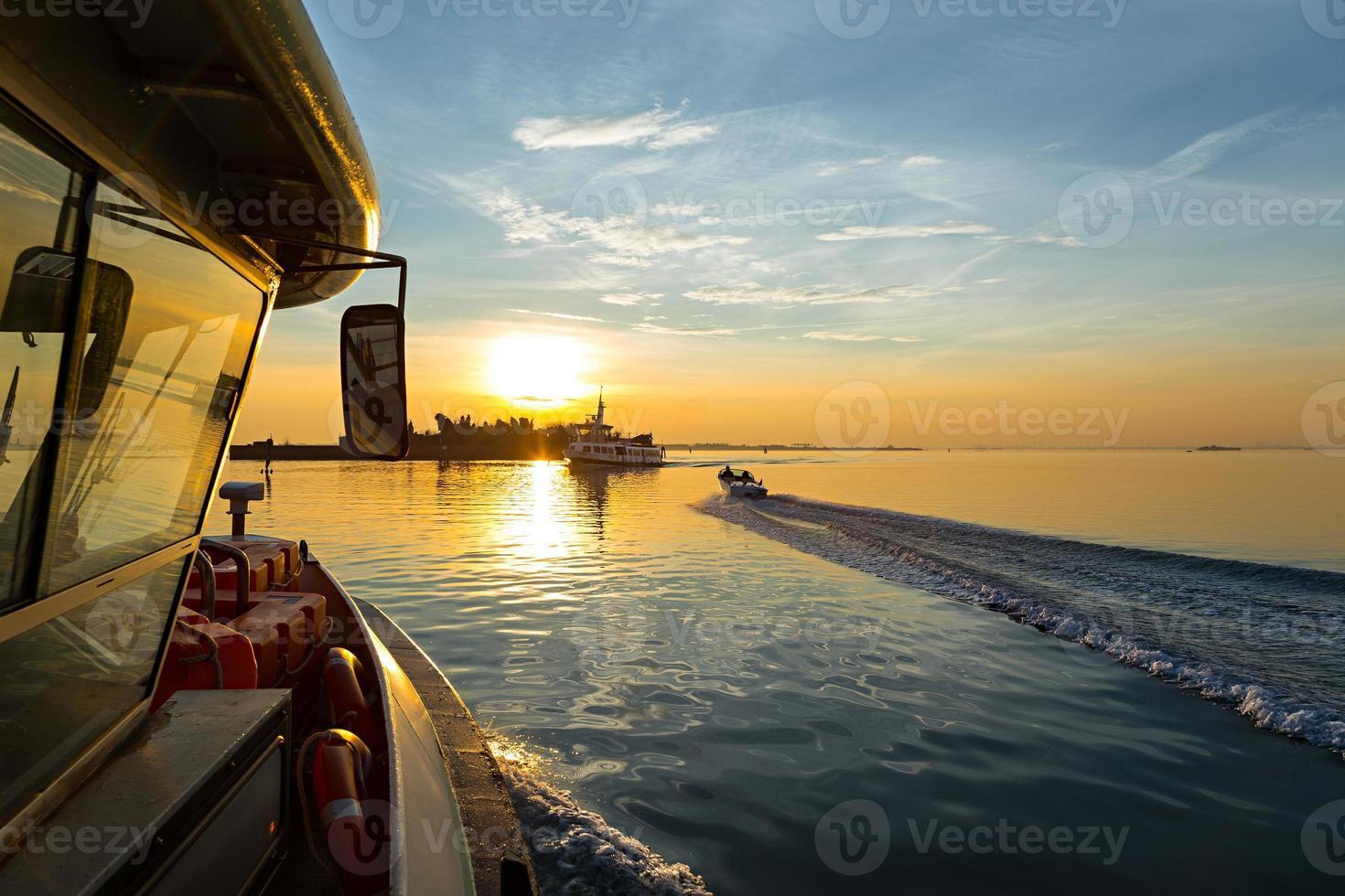 zonsondergang schip foto