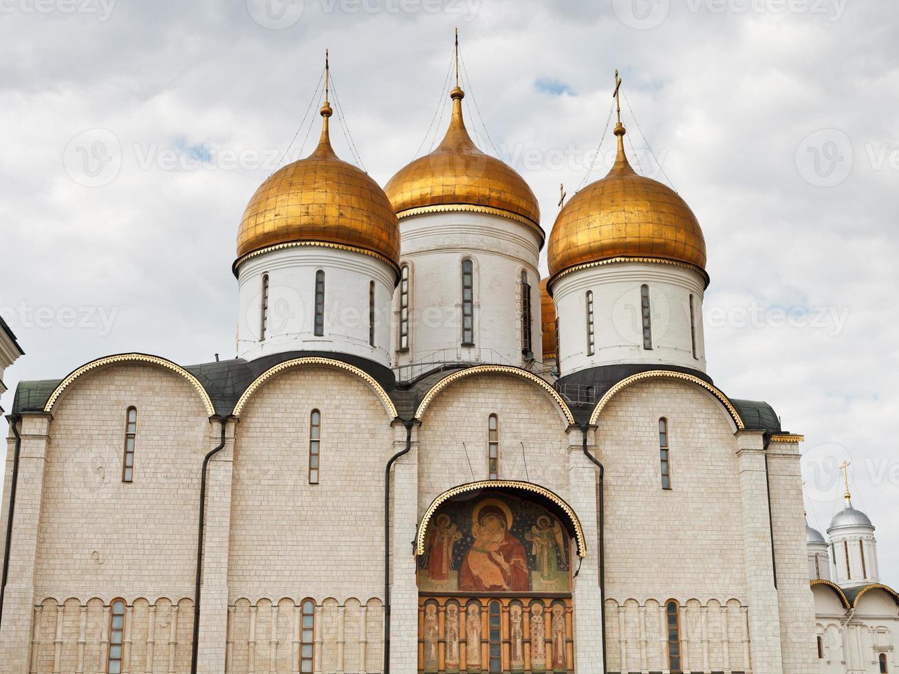 dormition kathedraal in het kremlin van moskou foto