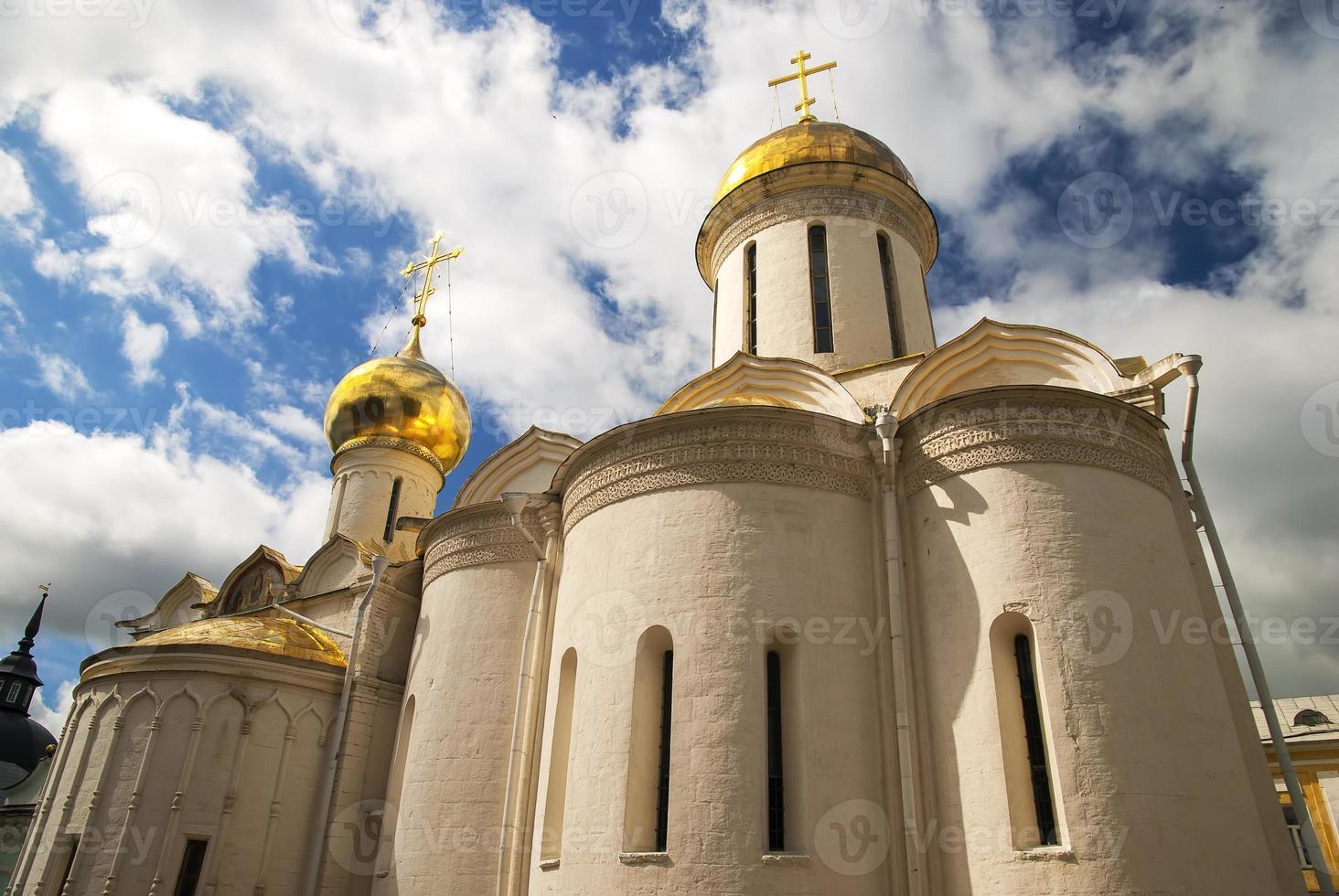 Trinity Cathedral in de Trinity Lavra van St. sergius foto