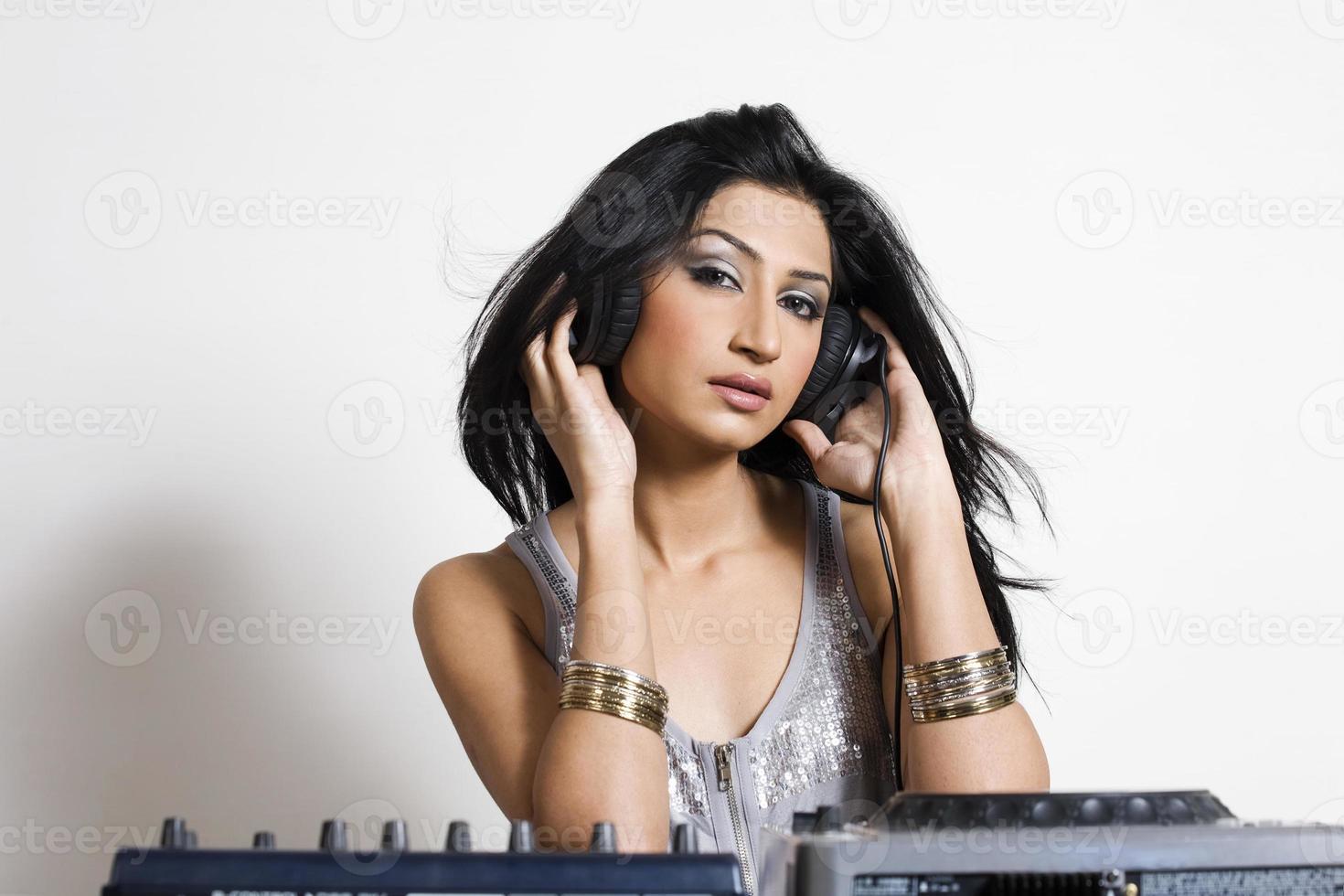 vrouwelijke dj foto