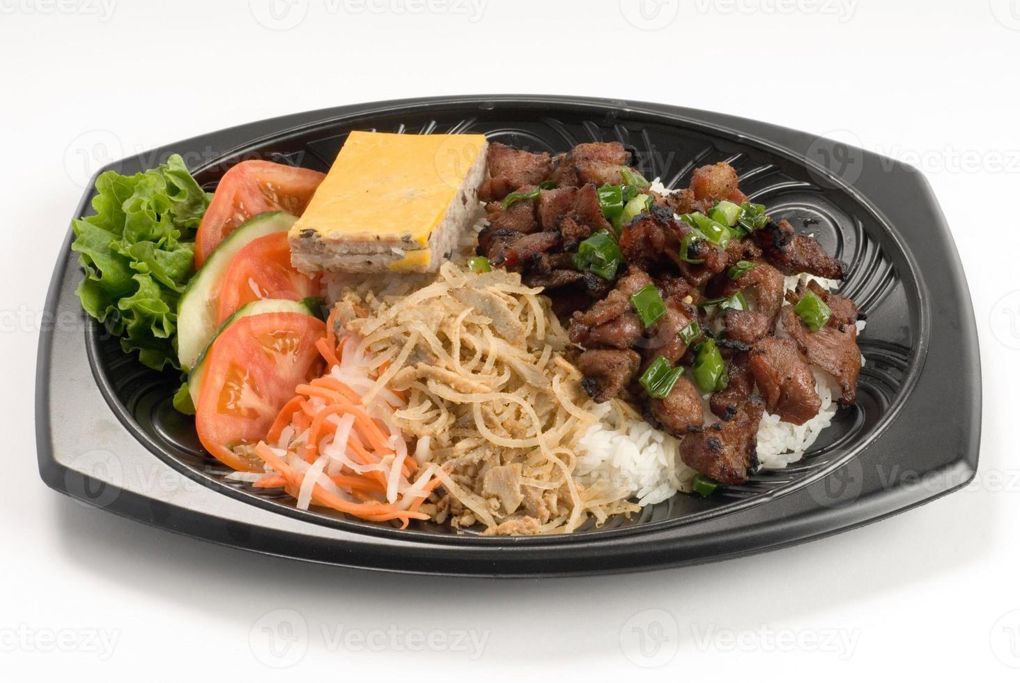 barbecue varkensvlees over rijst foto